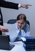 Boss making worker redundant — Stock Photo