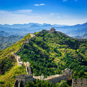 Great Wall of China in summer day, Jinshanling section near Beijing — Stock Photo