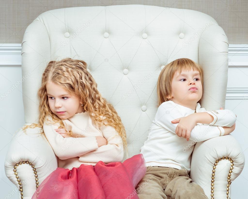 Фото с маленькими девочкой и мальчиком 21 фотография