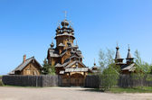 Wooden church in Russian countryside — Stock Photo