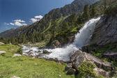 водопад в горы, национальный парк пиренеи, франция — Стоковое фото