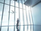 Homem no aeroporto — Fotografia Stock