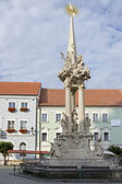 Mikulov, the historic square with baroque Holy Trinity column — Stock fotografie