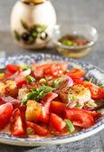 Rustic tomatoes salad — Fotografia Stock