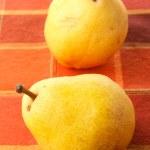 sulu taze sarı armut — Stok fotoğraf #33588153