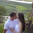Couple  kissing in mountains — 图库照片