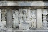 Detail geschnitzten reliefs an prambanan. java, indonesien — Stockfoto
