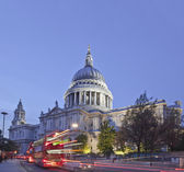St Paul's Cathedral, London, UK at Dusk — Stock Photo