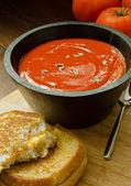 グリルチーズ サンドイッチのトマトスープ — ストック写真
