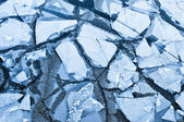Cracked ice on river — Stock Photo