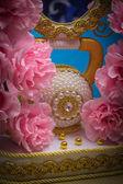 Cukierki w kolory papieru i lustro — Zdjęcie stockowe