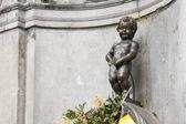 Manneken pis-statue im zentrum von brüssel. — Stockfoto
