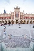Plaza del mercado de cracovia, polonia — Foto de Stock