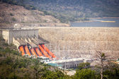Akosombo Hydroelectric Power Station on the Volta River in Ghana — Stock Photo