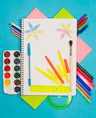 School supplies: pencils, paints, markers, pens. Student and off — Stock Photo