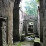 Постер, плакат: Rainy ruins near Angkor Wat Cambodia
