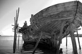 Rear view big dhow black and white — Stock Photo