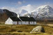 Blackrock cottage, glencoe, schotland. — Stockfoto
