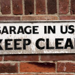 Keep Clear Sign — Foto de stock #25402803