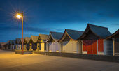 Beach Huts at Night, Mablethorpe — Stock Photo