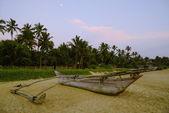 Fishing boat on the shore — Stock Photo