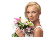 Portrait of an attractive bride — Stock Photo