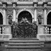 Italy Venice forged iron gates to campanile — Stock Photo