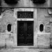 Italy. Venice Black door on the side street — Stock Photo