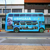 Blue bus, Ushuaia, Tierra del Fuego, Argentina — Stock Photo