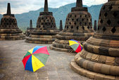Colourful umbrellas, Borobudur Buddhist temple, Java, Indonesia — Stockfoto