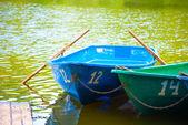 Barche sulla riva — Foto Stock