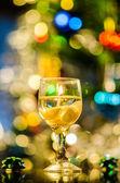 Candela a forma di bicchiere di vino con conchiglie — Foto Stock