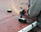 Hand metal sawing — Stock Photo