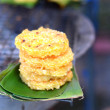 Rice cakes on a banana leaf. — Stock Photo
