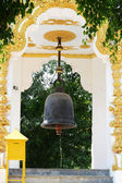 Campana budista. toque para la buena fortuna. — Foto de Stock