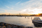 Angus L. Macdonald Bridge at sunset — Stock Photo