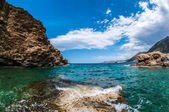 Bay and beach surrounded by cliffs on the island of Crete in Greece — Stock Photo