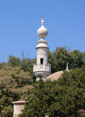 White mosque minaret — Stock Photo