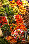 Fruit and vegetables stall in a traditional market — Stock Photo