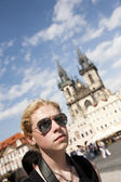 在布拉格的年轻游客 — 图库照片