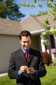 Home: Real Estate Agent Phoning Buyers — Stock Photo
