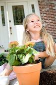 Gardener: Cute Girl Potting Plants — Stock Photo