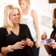 Baby Shower: Having Snacks After Party — Stock Photo #27515735