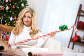 Christmas: Not Sure How To Wrap Golf Club — Stock Photo
