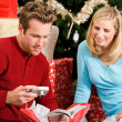 Christmas: Man Gets New Camera For Christmas — Stock Photo