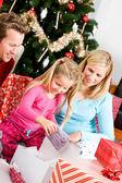 Christmas: Christmas Morning Family Present Time — Stock Photo