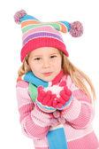 Winter: kleines Mädchen mit Schnee — Stockfoto