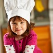 Kitchen Girl: Child Chef with Lunch — Stockfoto