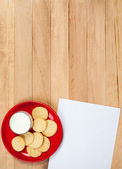 Christmas: Plate of Cookies and Blank Note — Stock Photo