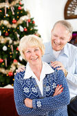 Christmas: Cheerful Couple at Christmastime — Stock Photo